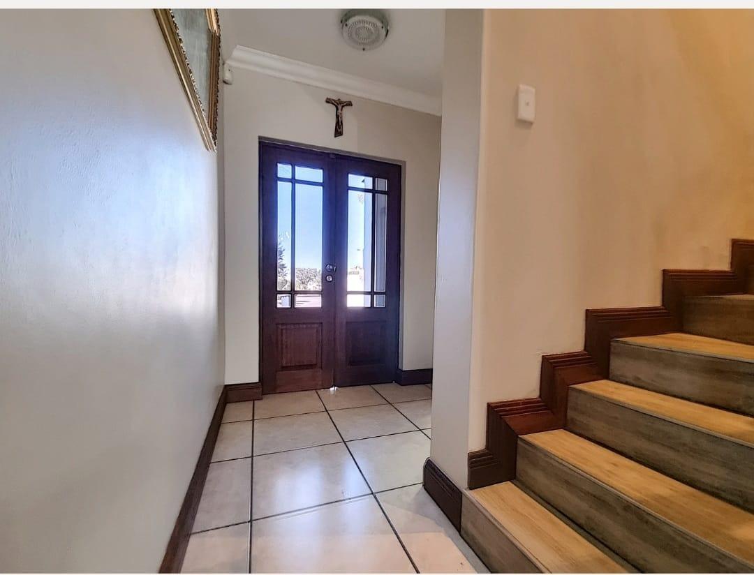 House For Sale in Leeuwenhof Estate