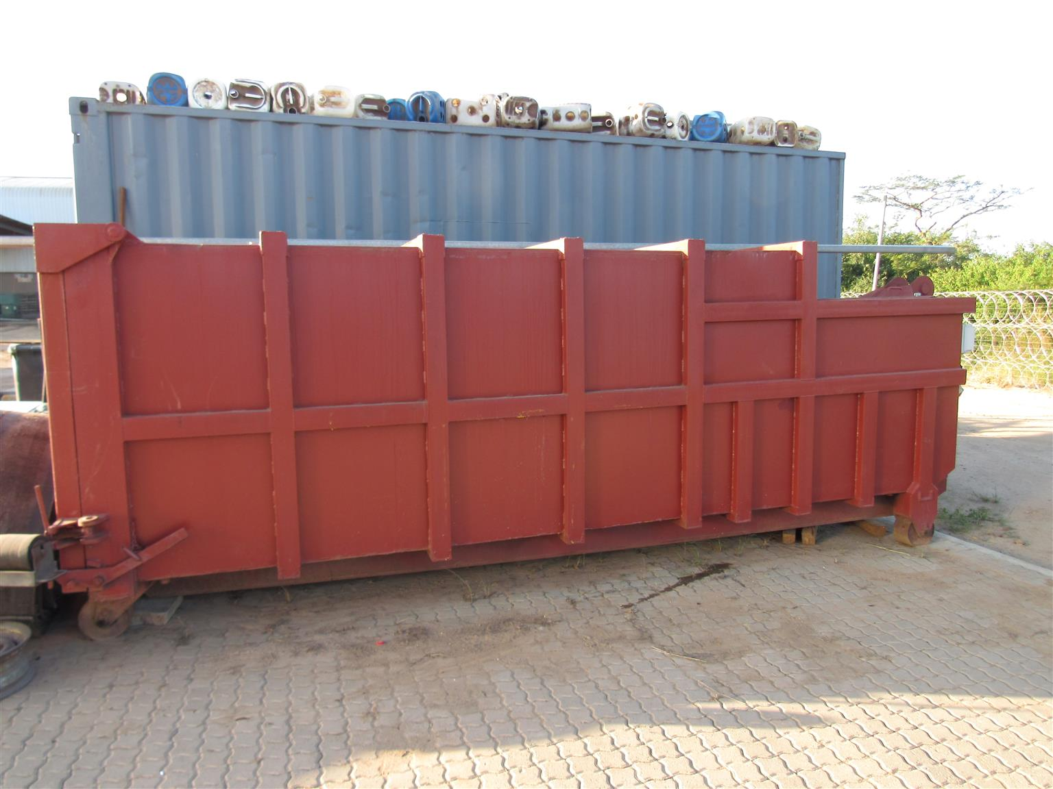 COMPACTOR FOR SALE
