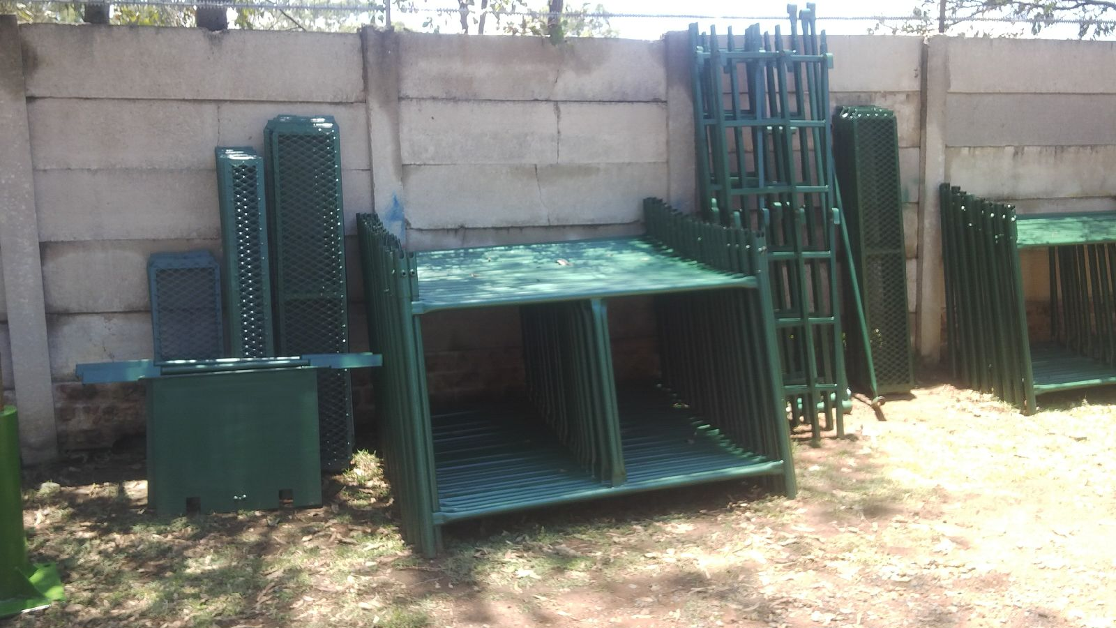 HIGH QUALITY BUILDING SCAFFOLDING H FRAMES, ONLY R350 PER FRAME