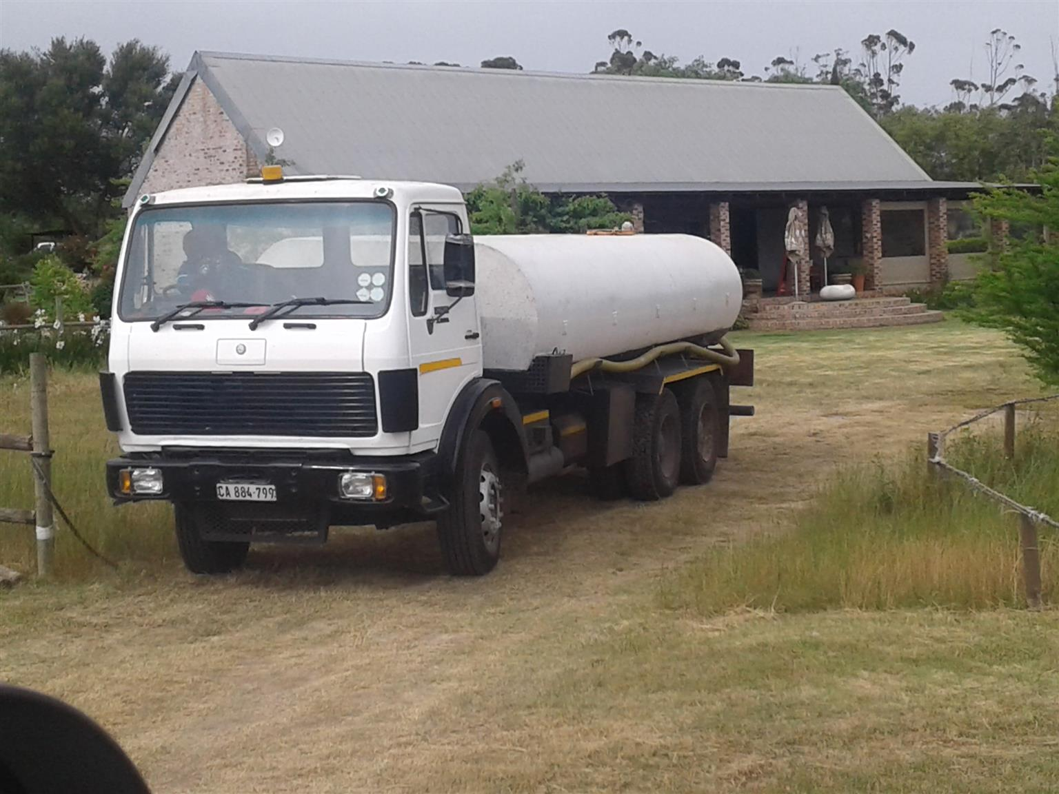 Mercedes Benz 2628  Water truck with 18000lt tank for sale