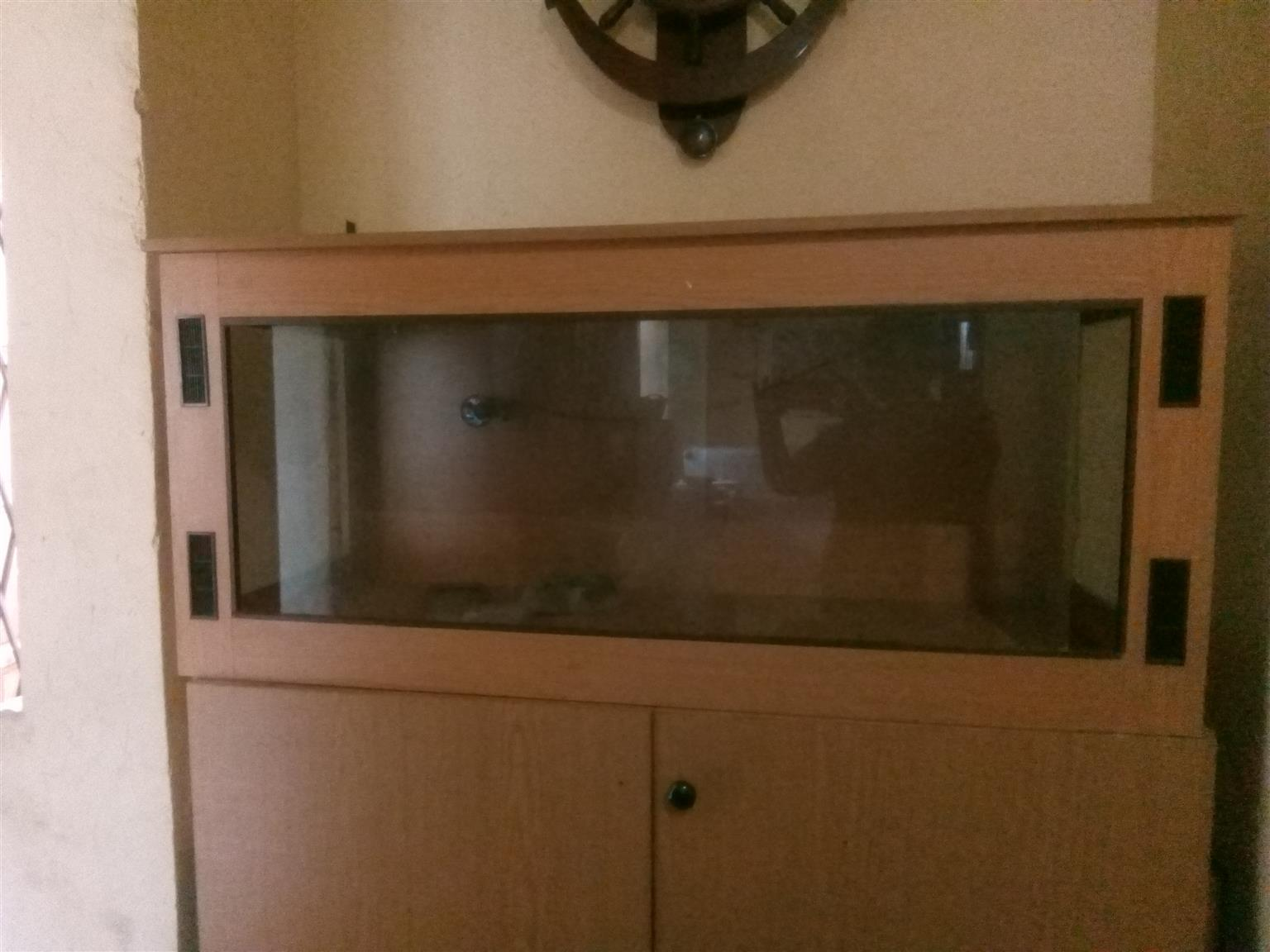 Reptile Cage For Sale | Junk Mail
