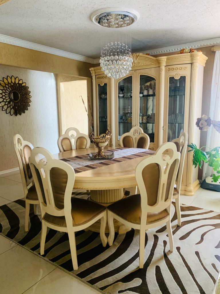 Classic And Luxurious Italian Dining Room Suite Junk Mail