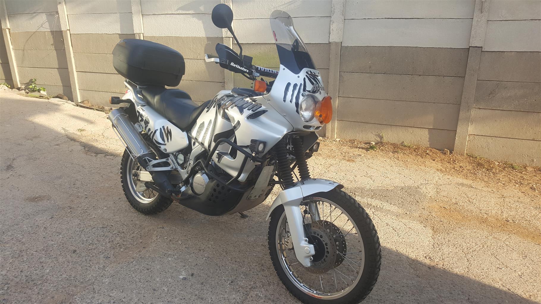 2002 Honda XRV