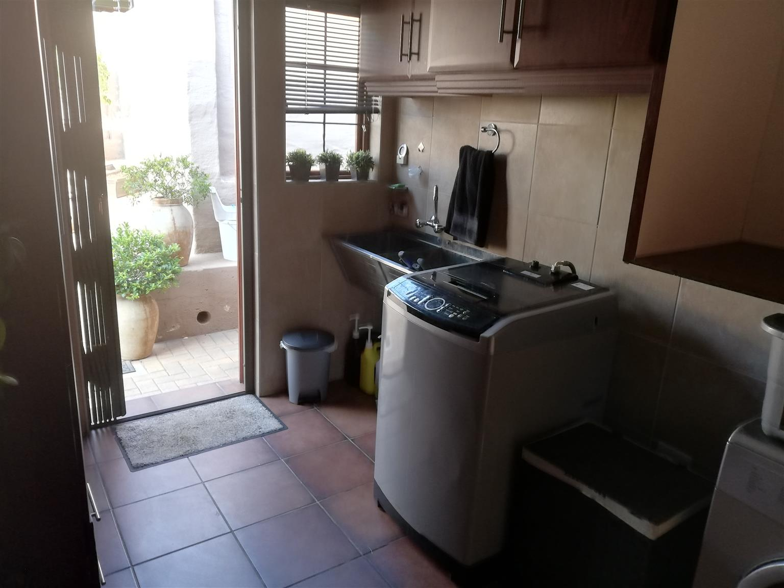 HOUSE IN ERASMUSRAND (PRETORIA) FOR SALE