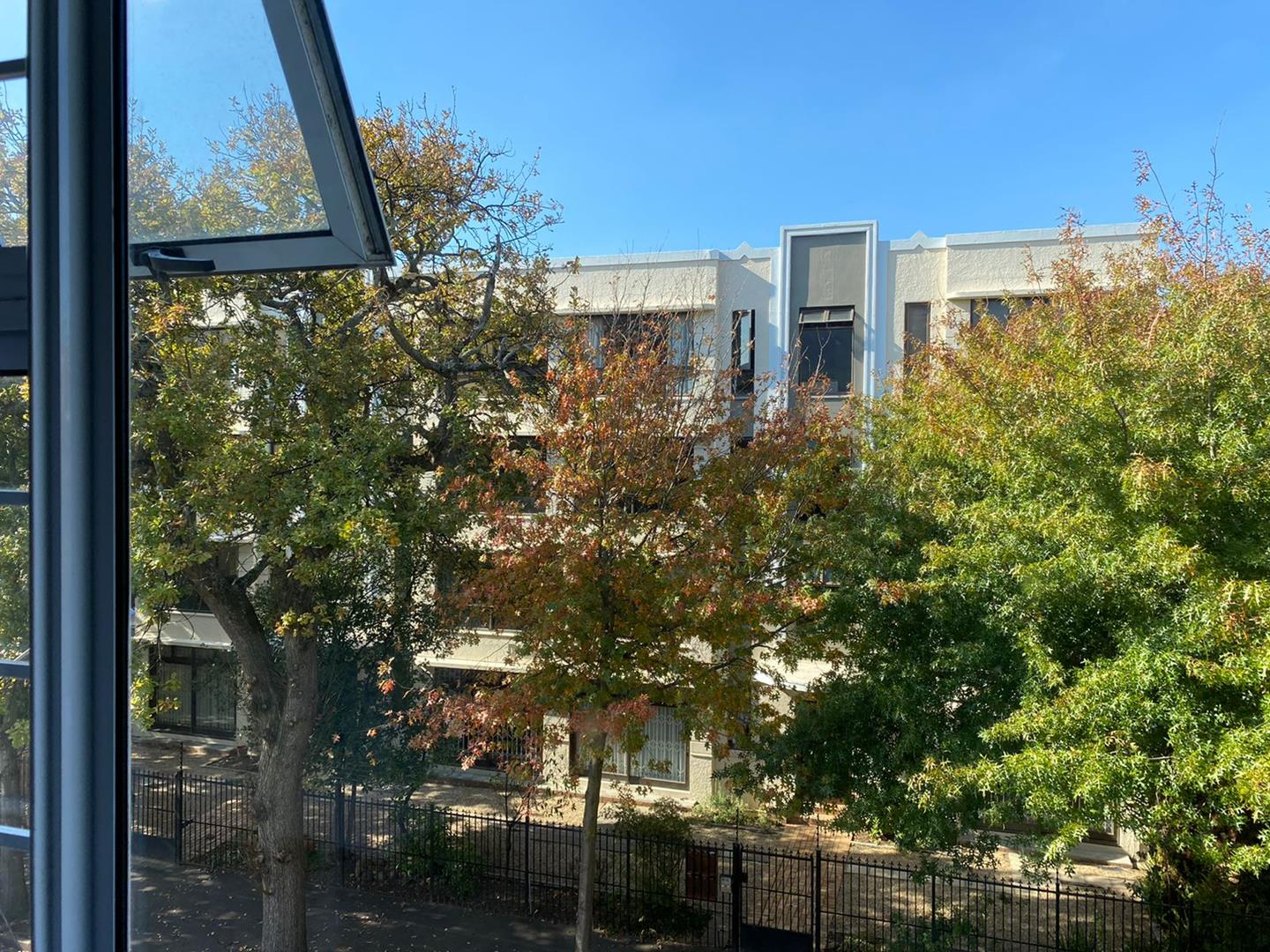 Apartment For Sale in Rondebosch