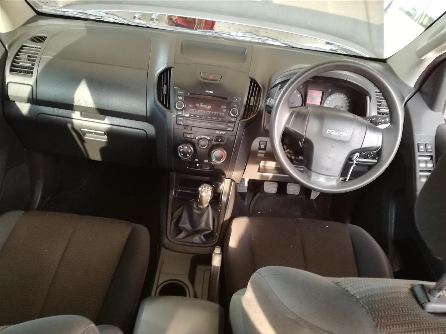2015 Isuzu KB 250D Teq double cab Hi Rider