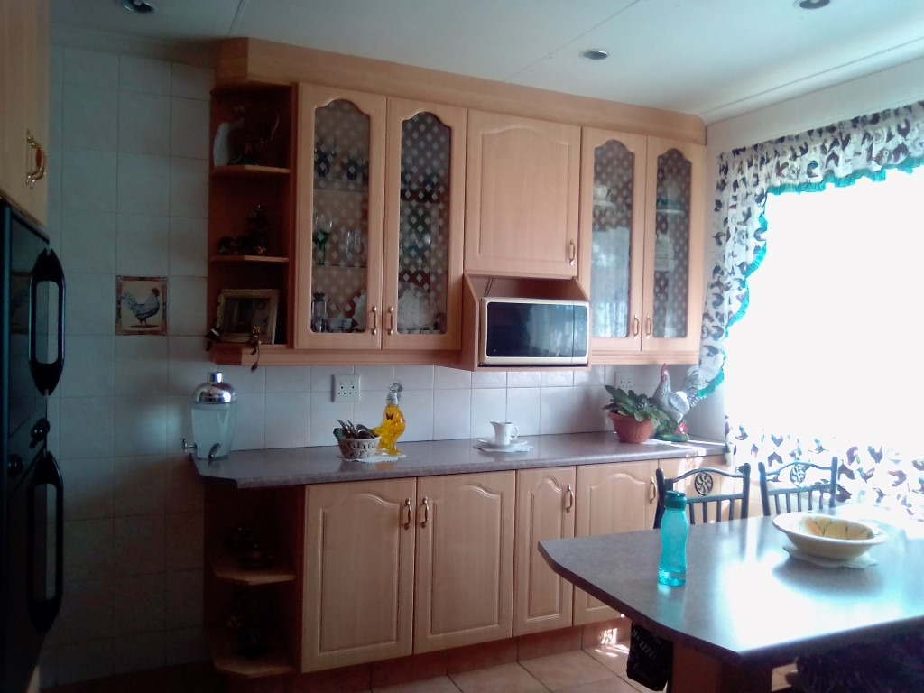House For Sale in Primrose
