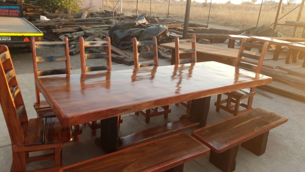 10 seater diningroom suite