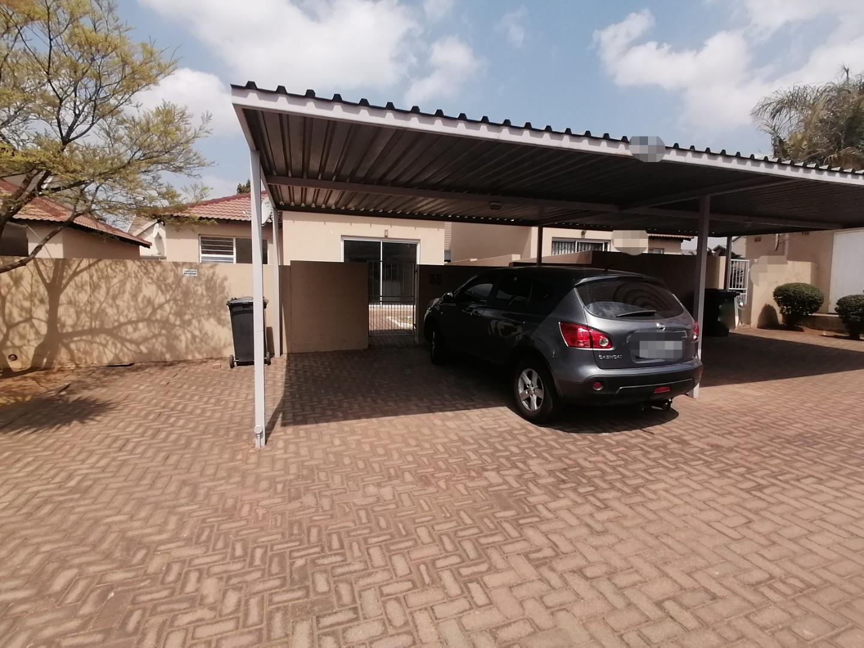 Cluster Rental Monthly in Heuwelsig Estate