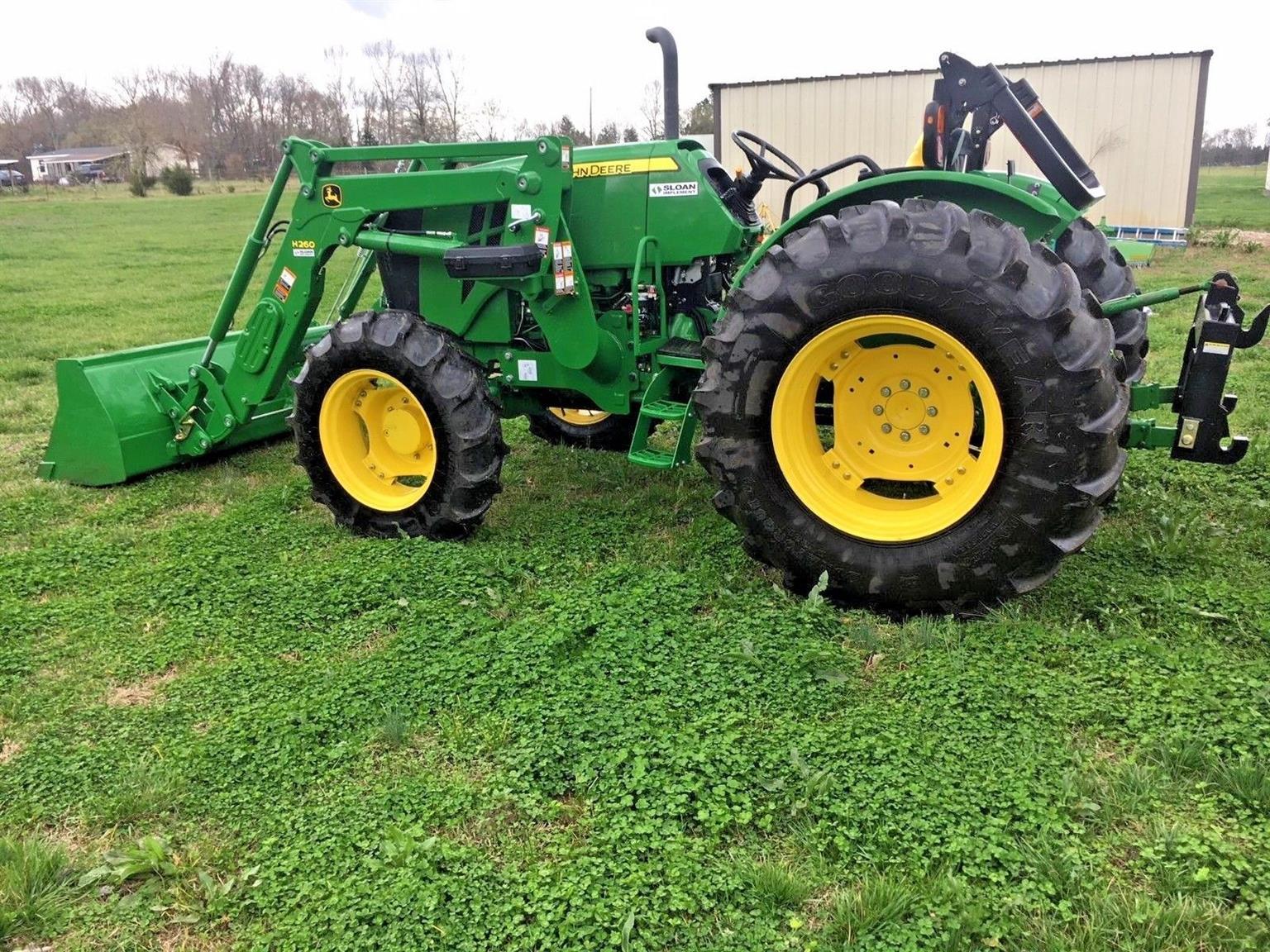 John Deere Tractor Diesel 2014 4-wheel 5100e w/loader EXCELLENT CONDITION!!!!