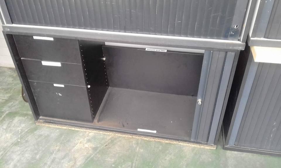 3 Door grey sliding door cabinet