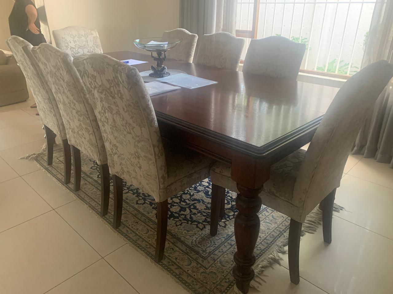 DINNING SUITE ANTIC ,PURE WOOD