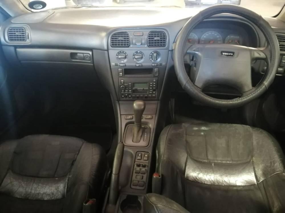 2000 Volvo S40 2.0