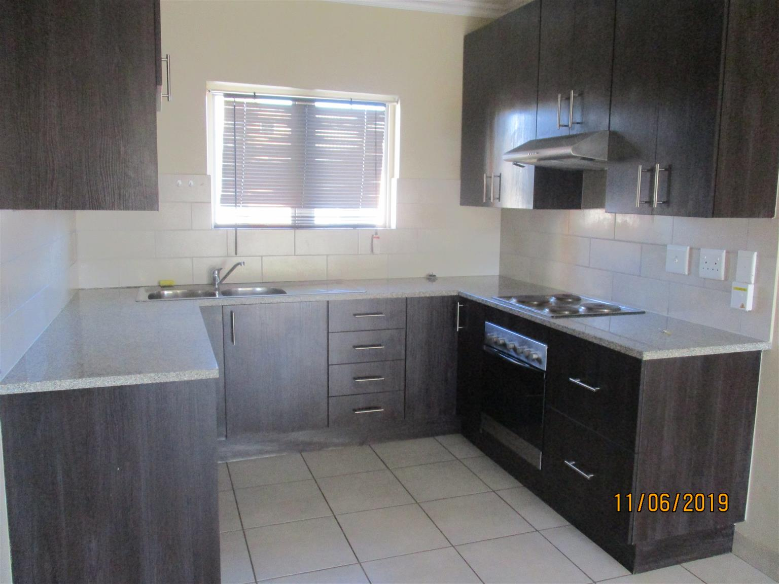 3 Bedroom 2 Bathroom Apartment For Rent Noordwyk Junk Mail