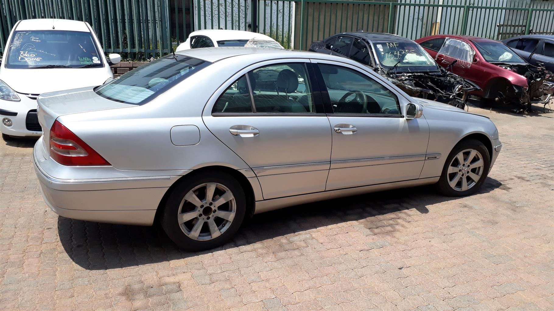 C320 W203 MERCEDES STRIPPING FOR SPARES