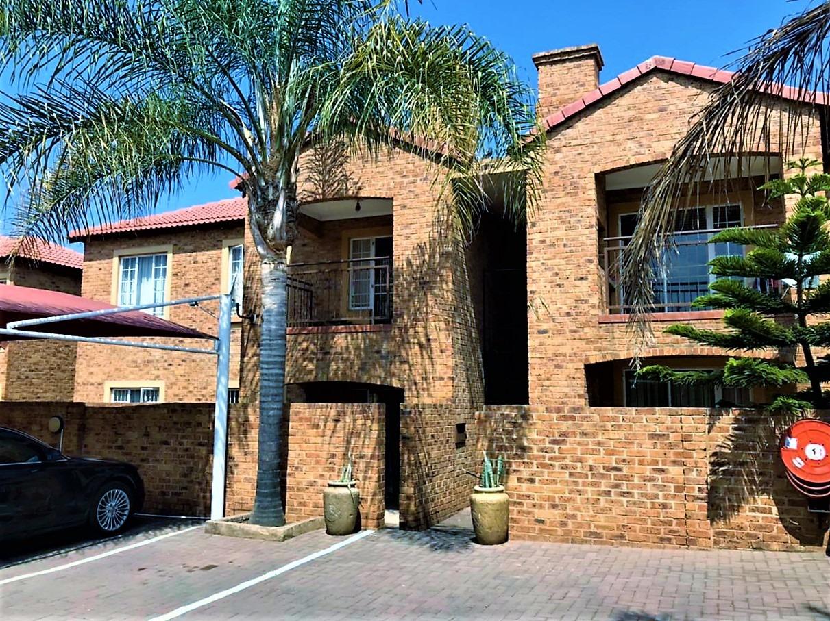 Apartment For Sale in Monavoni