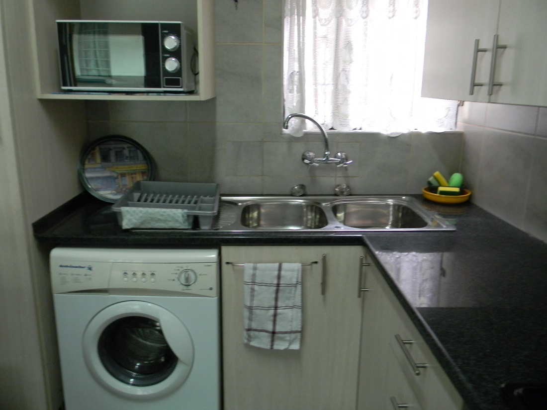 SANDTON FULLY FURNISHED FULLY EQUIPPED GARDEN COTTAGE