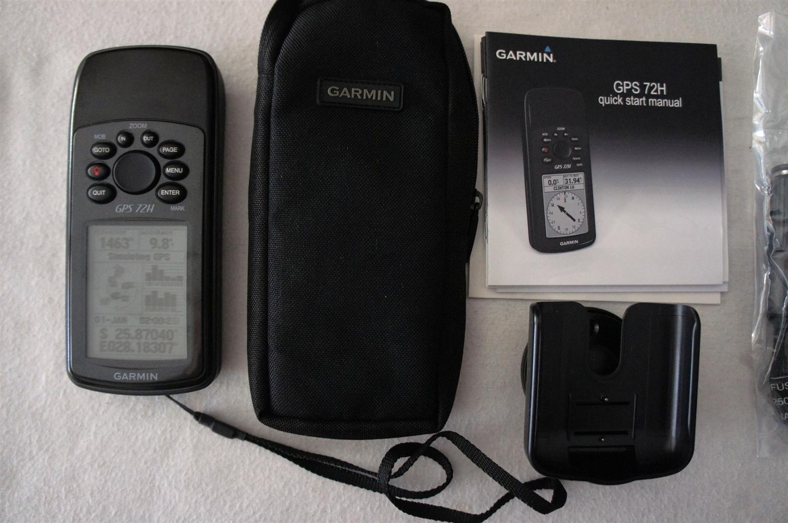 Garmin GPS 72H™ Marine Bundle UNUSED 2 Units available