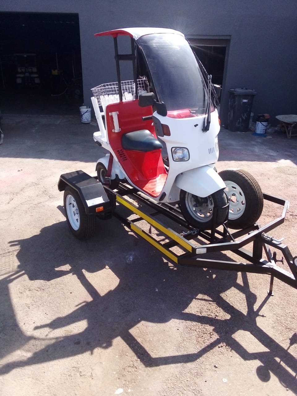 Honda 3 wheel 1 Seater Golf Cart  with own trailer or without