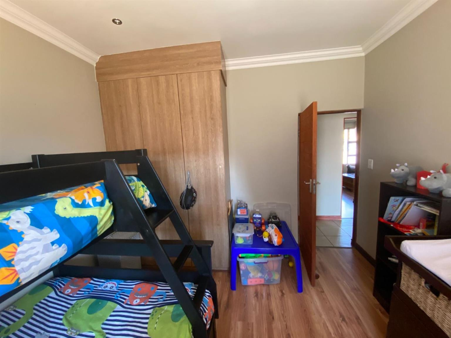 House For Sale in THATCHFIELD