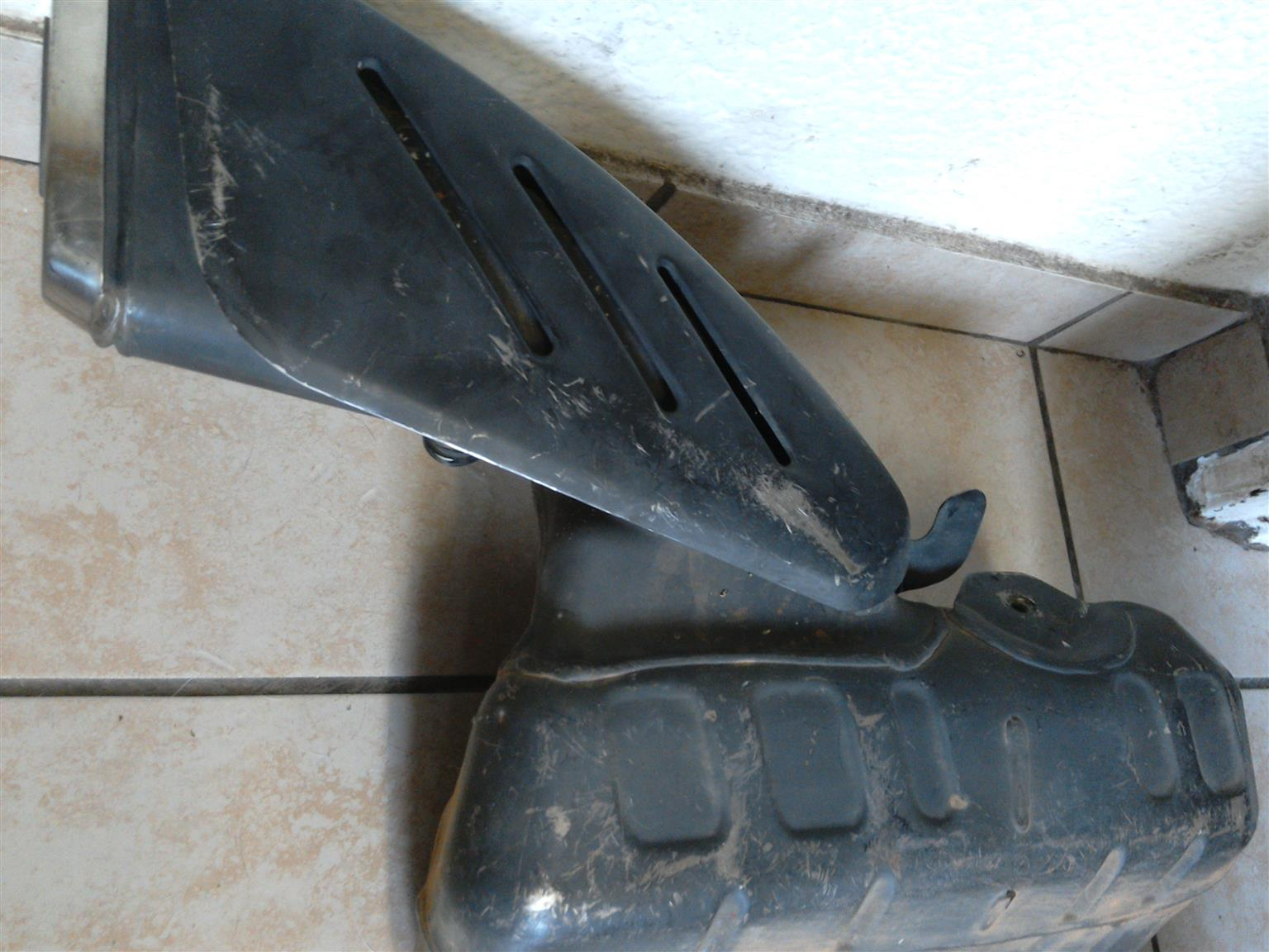 Complete 2007 GSXR 750 Original Exhaust System for Sale R400