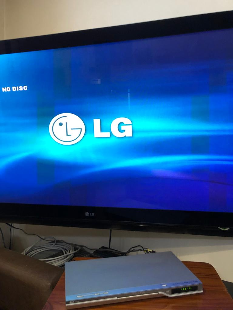 LG DVD / CD player - Model DV9823P sold in 100% working condition-no remote