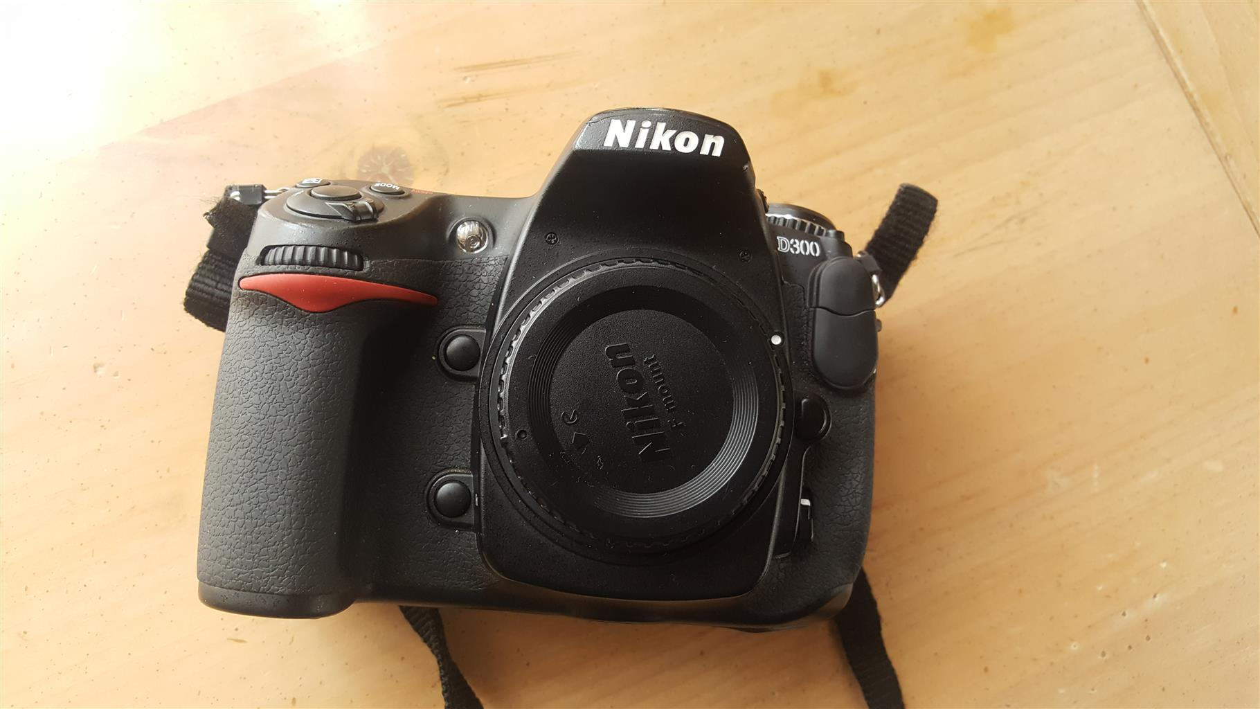 Nikon D300 camera body