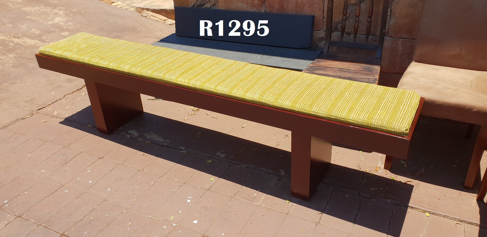 Classic Bench with Cushion (2400x405x520)