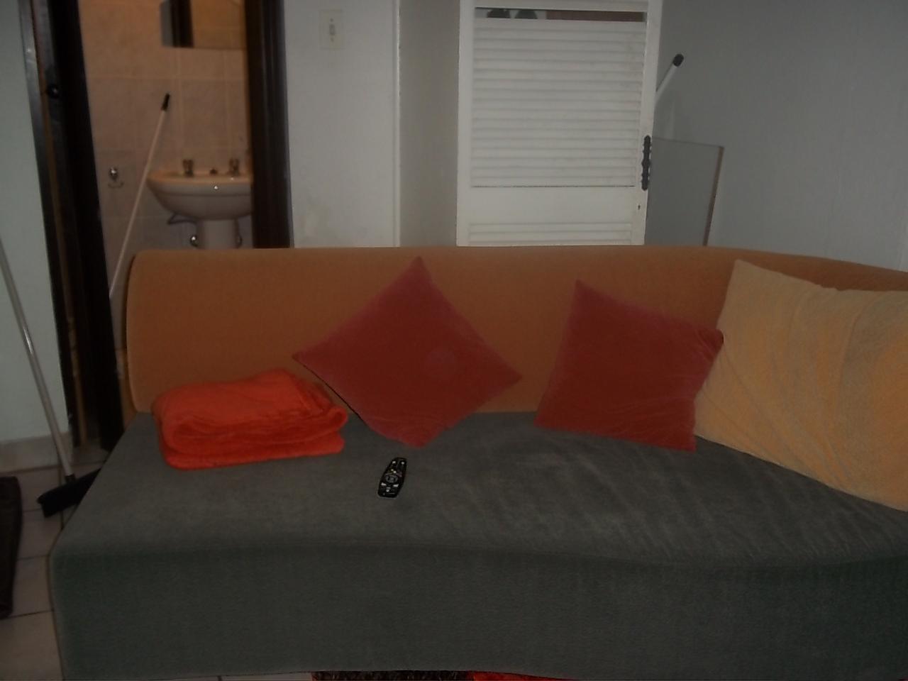 1 BEDROON COTTAGE FOR RENT IN KENSINGTON JHB