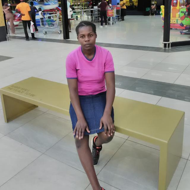 ZIMBABWEAN DOMESTIC WORKER /NANNY (Tatenda)