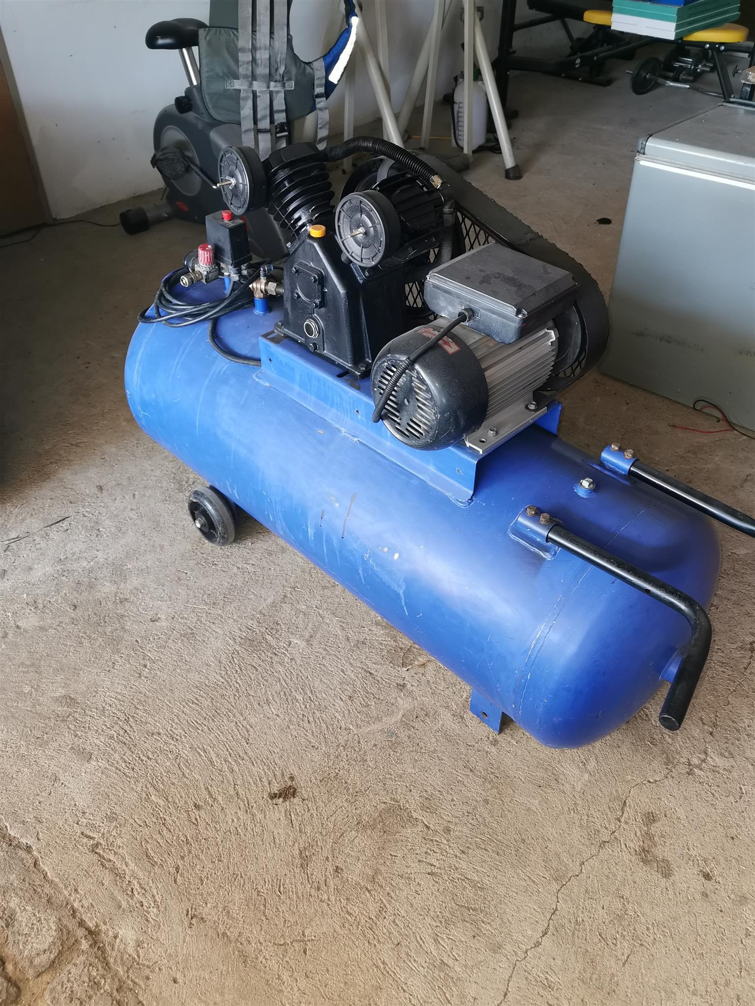 Air compressor for sale 220V