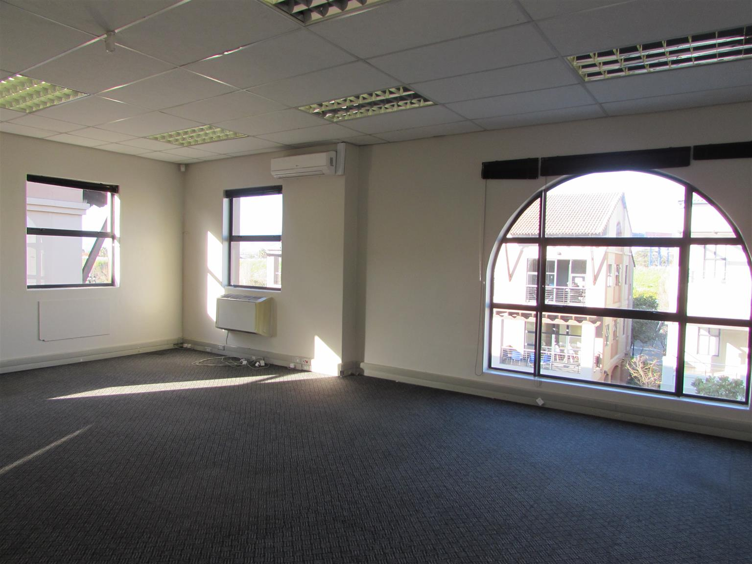 CENTURY CITY: 250m2 Building to Let