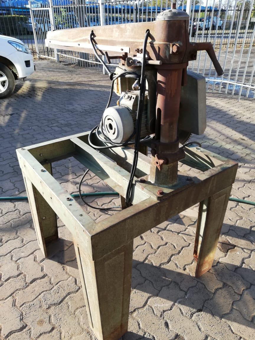 Radial Arm Saw, DE WALT, Ø-350mm, 2.2kW