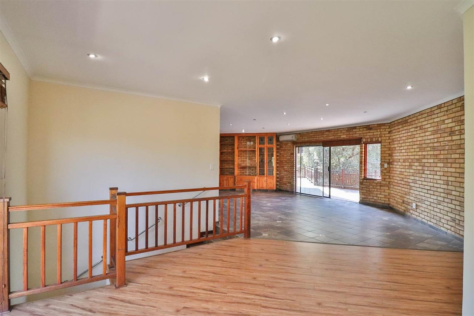 Spacious 3 bedroom house to rent in Magaliespark River Club