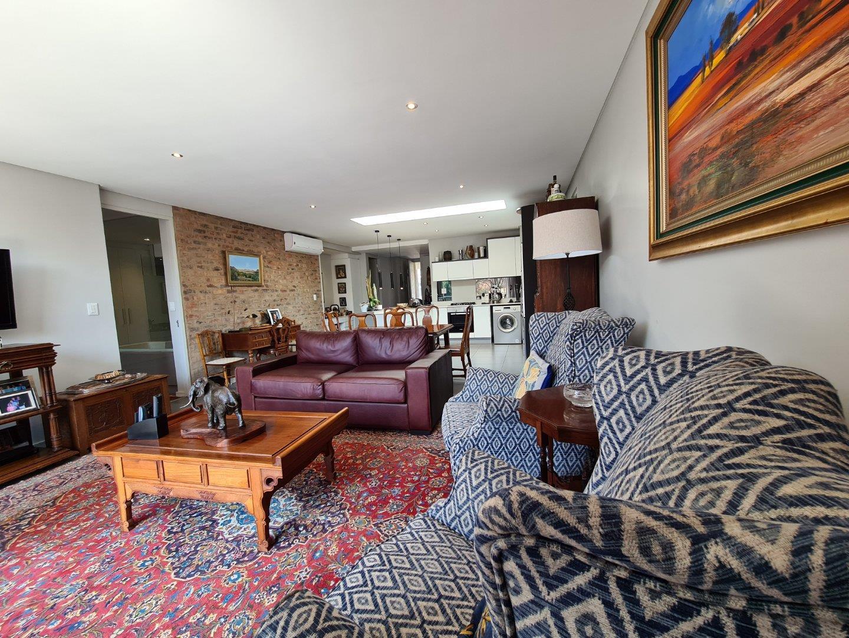 Apartment For Sale in Illovo