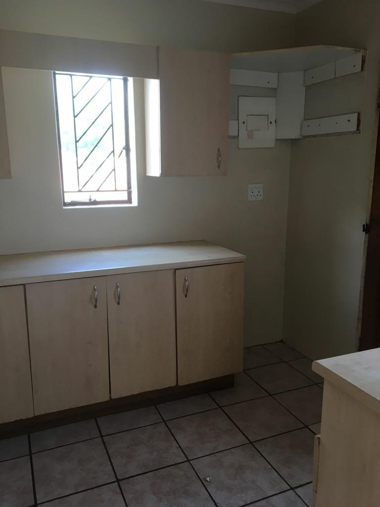 AVAILABLE 1st FEBRUARY! 3Bed, 1Bath House In Philip Nel Park, PTA West!