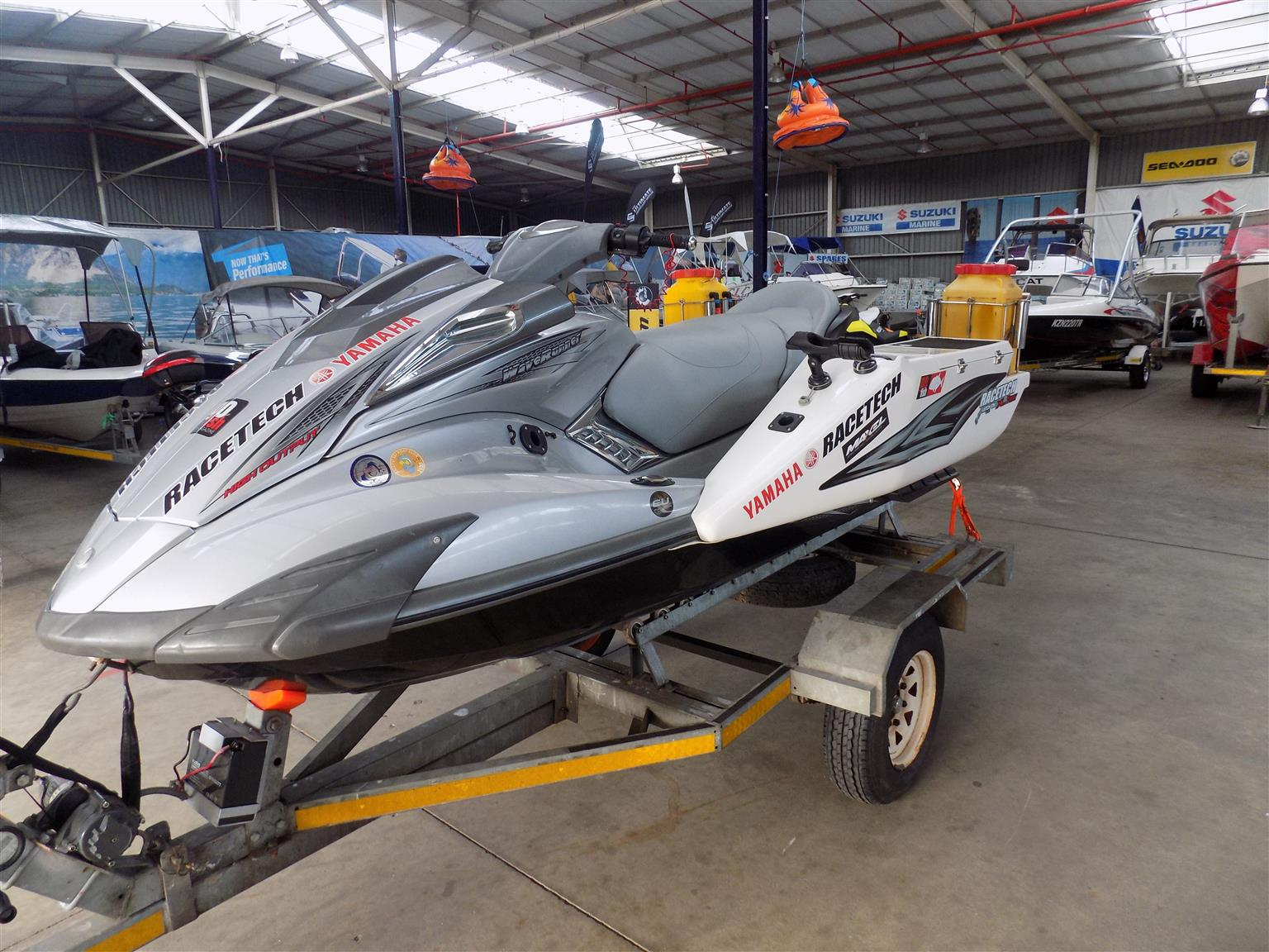 yamaha fx 1800 on trailer fully rigged for fishing