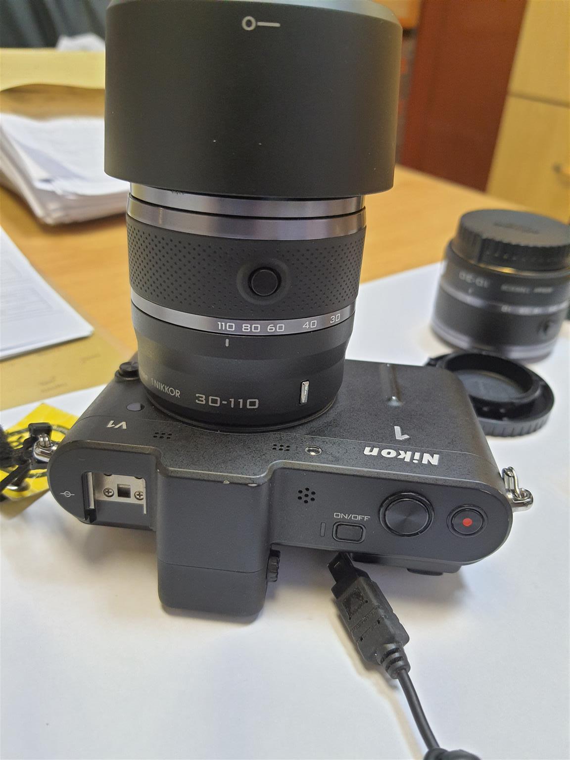 Nikon 1v1 camera
