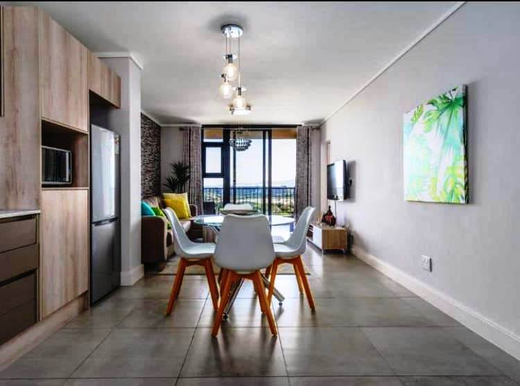 Beautiful 2 bedroom apartment for sale in Century City!