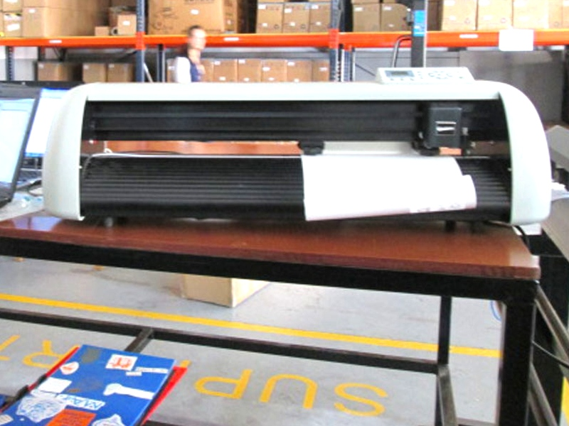 V-1700 V-Series High-Speed USB Vinyl Cutter, 1700mm Working Area Vinyl Cutter
