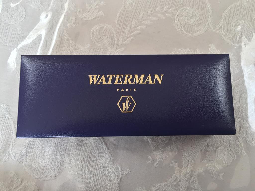 Waterman Carene Medium Point Fountain Pen, Black - New & unsed
