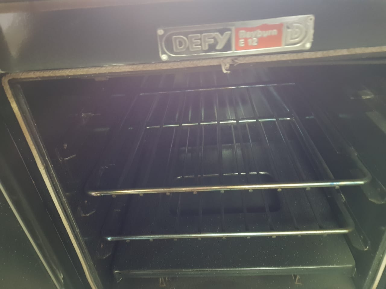 "Catering Stove and Oven ""Defy Rayburn E 12 Solid top and Oven 3 Phase"""