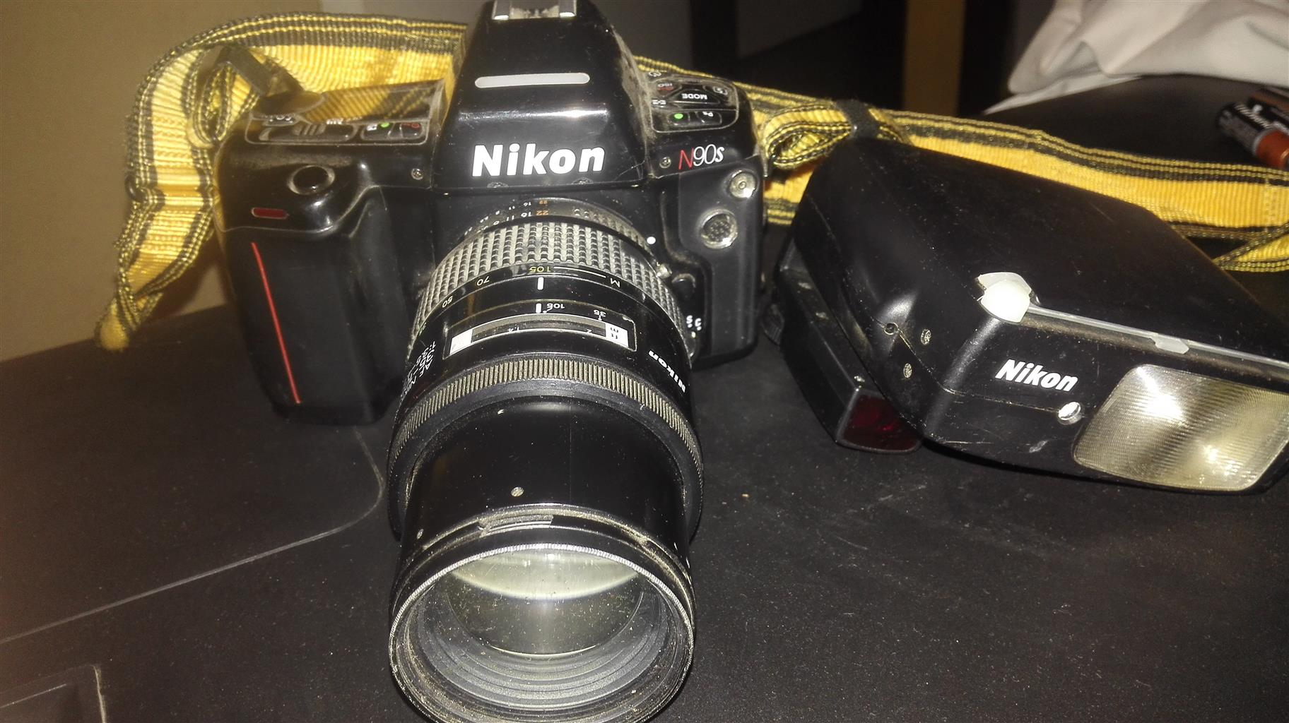 Nikon plus FLASH LIGHT
