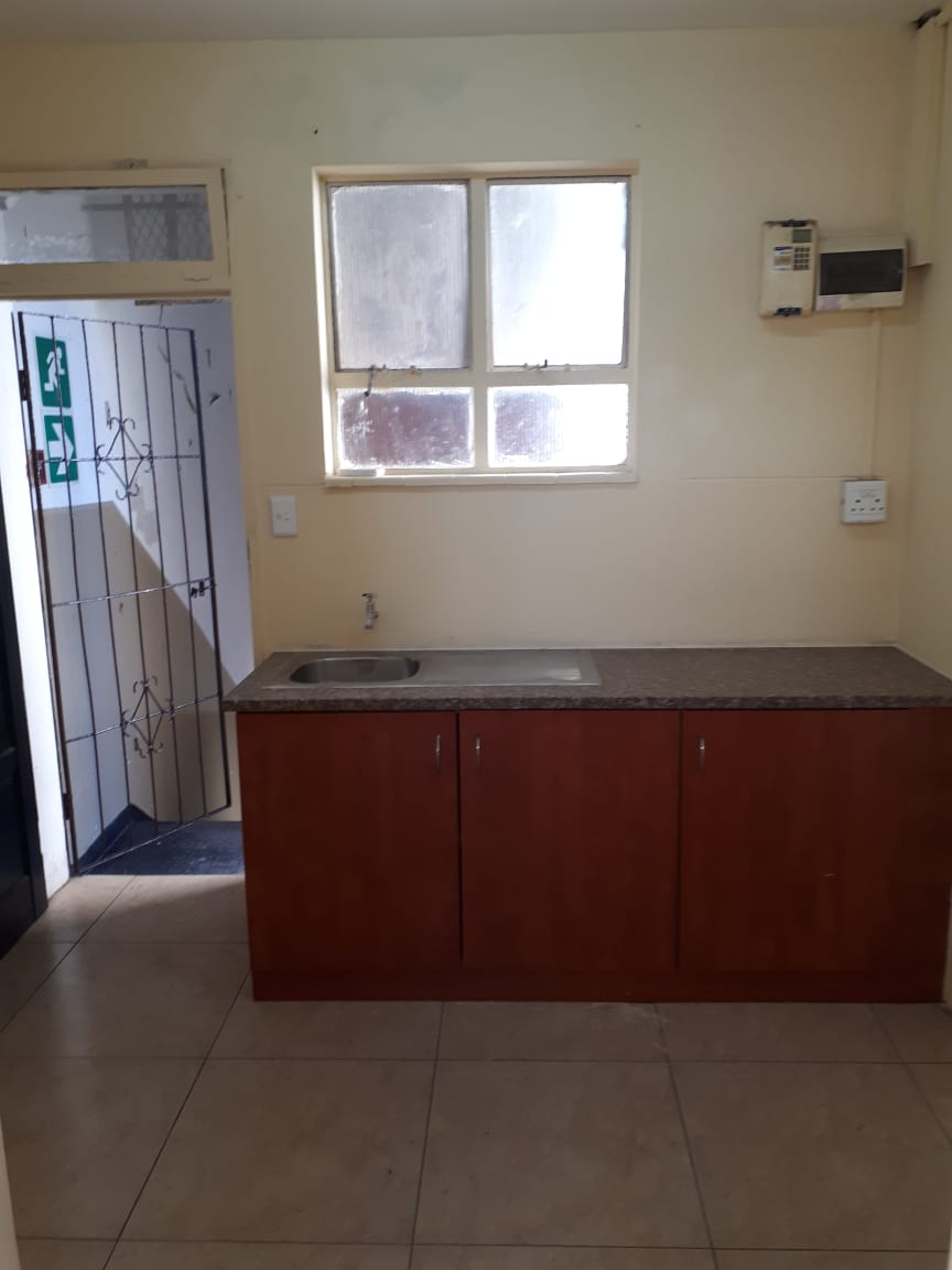 1 Bedroom Bachelor flat for rent in Durban CBD