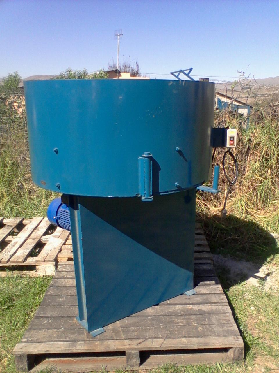 New static block machine and pan mixer