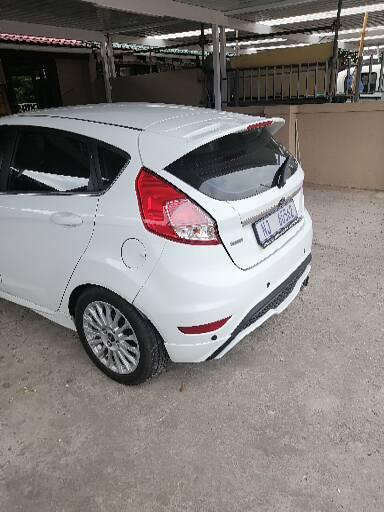 2017 ford Fiesta ecoboost titanium