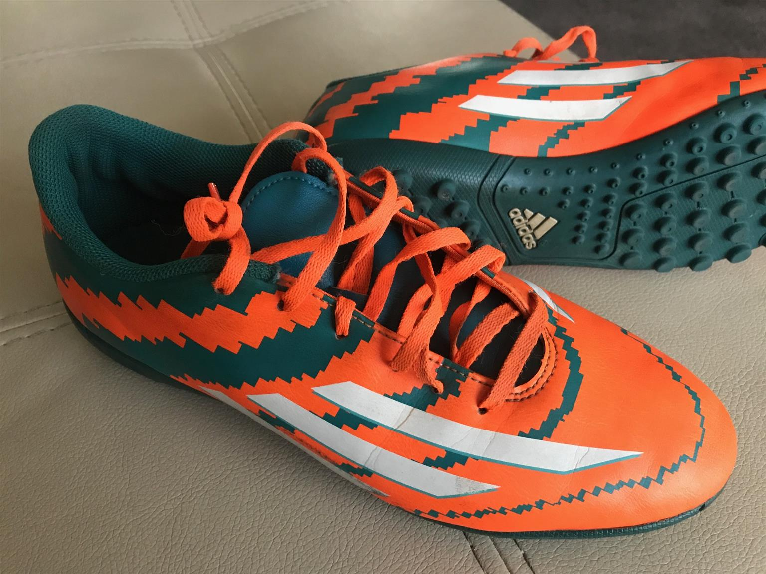 Adidas Indoor Soccer Shoes Size UK 7