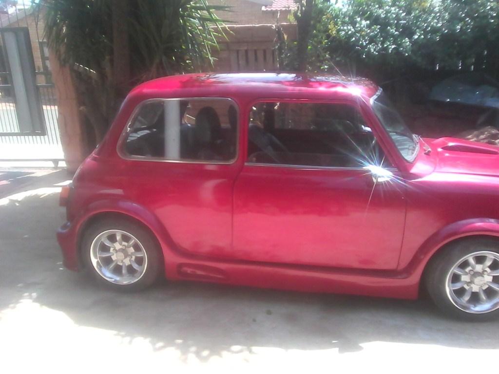 Mini 1975 model