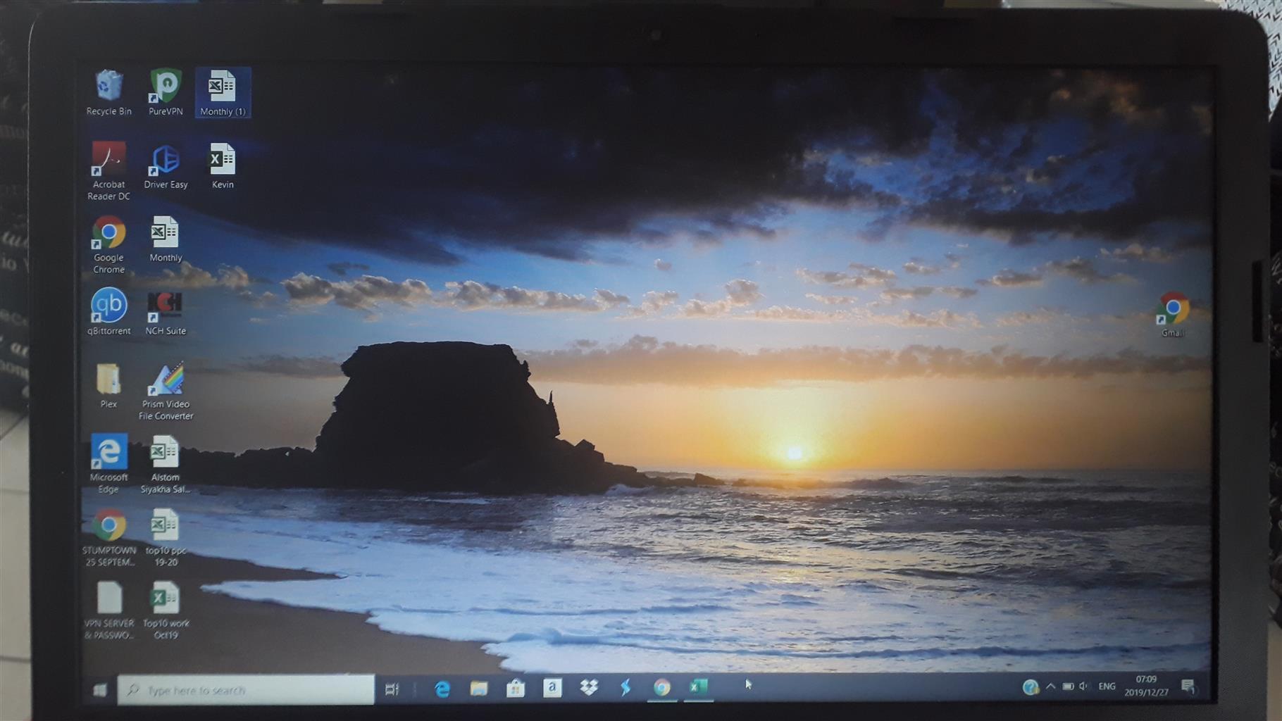 HP15  RYZEN 7, RADEON VEGA GRAPHICS URGENT SALE