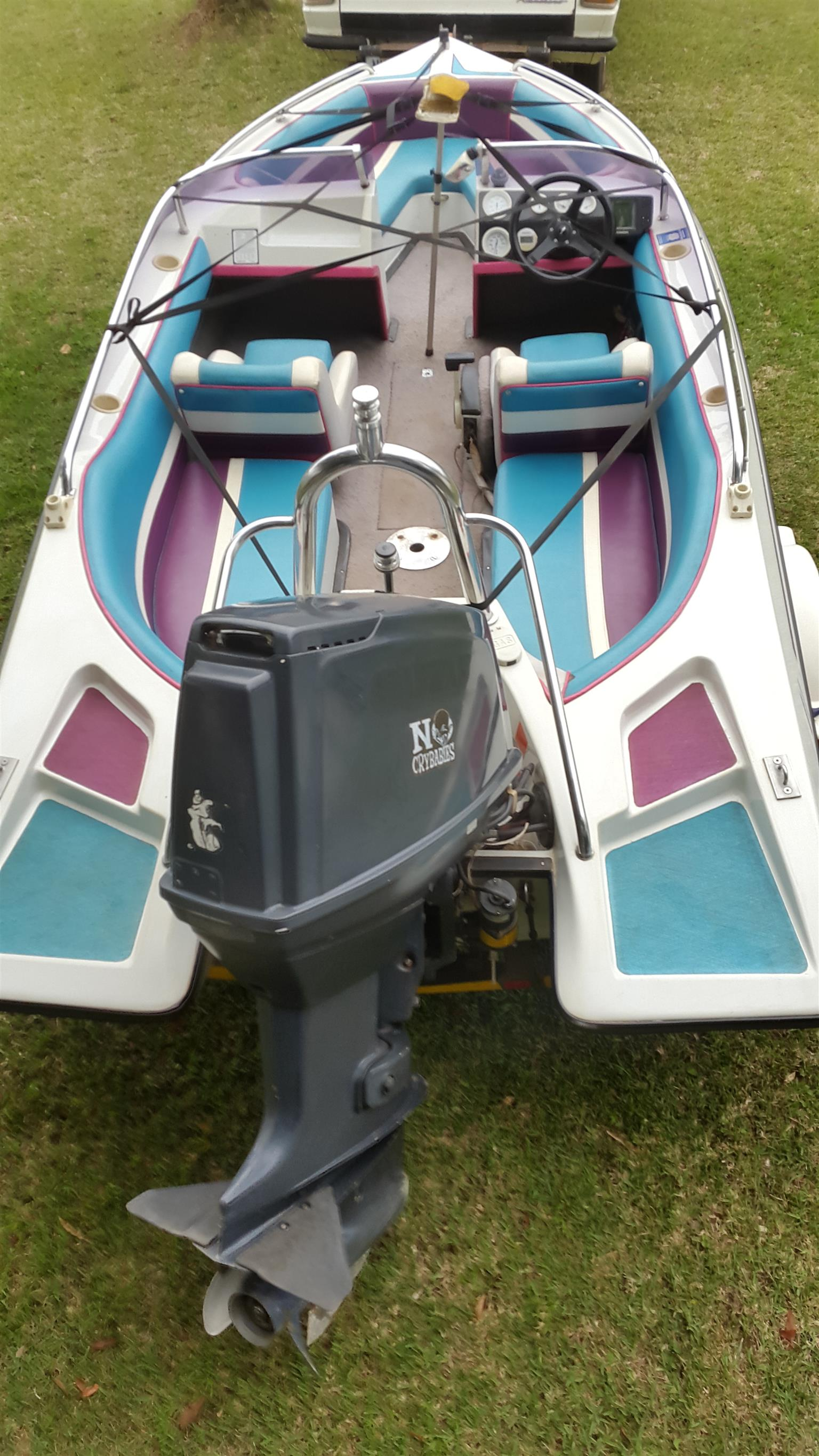 SPEED BOAT - Miami Sport 17 foot, strong 140 HP Suzuki great allround family boat.  SWOP/CASH OFFER